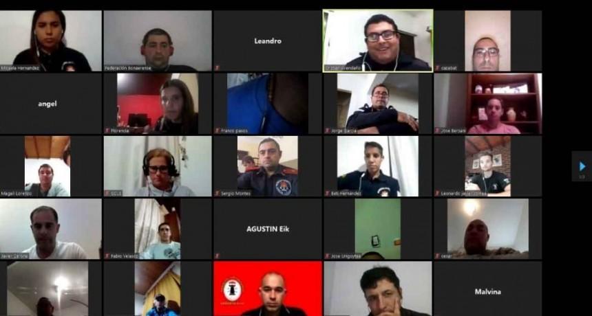 Javier Carona; 'Es muy bueno esto porque no solo nos capacitamos sino que nos mantenemos en contacto con los bomberos de la zona'