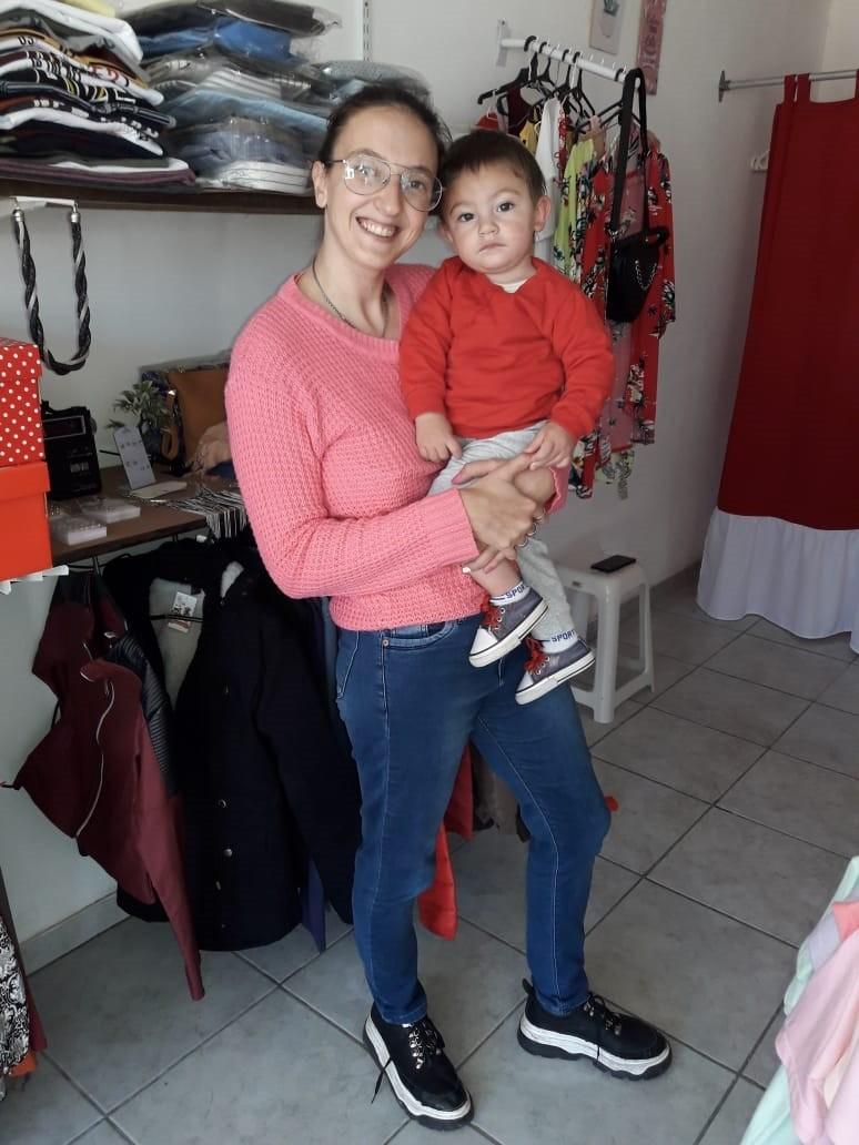 Melina Infantas, propietaria de Modas Inquieta, anuncia las novedades de temporada