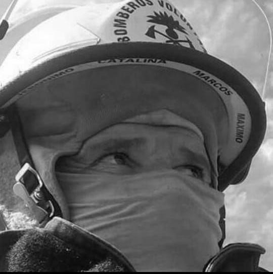 """Víctor Pato González: """"He tenido la suerte de capacitarme en incendio forestales, pudiendo viajar y estar en distintas situaciones. Junto a Beto Novillo somos instructores"""""""