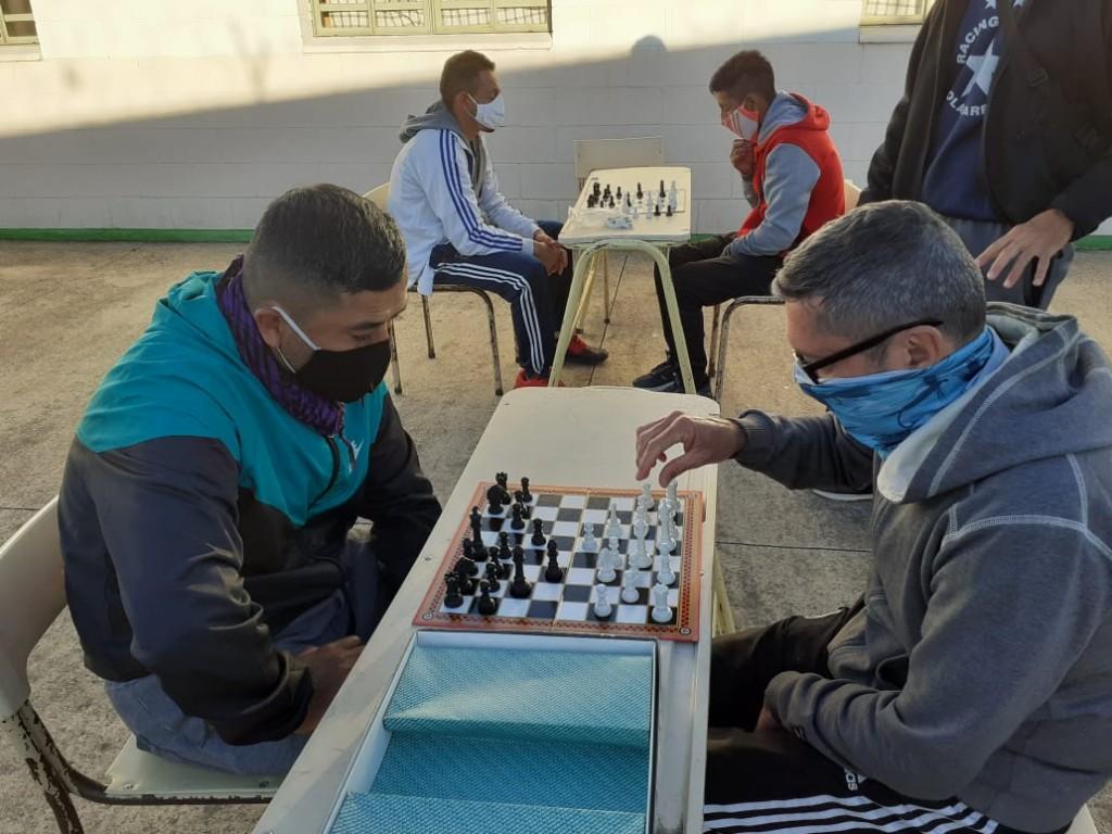 Clases de ajedrez en la Unidad 17