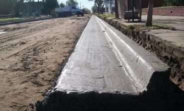 Se están construyendo más cuadras con cordón cuneta en Urdampilleta