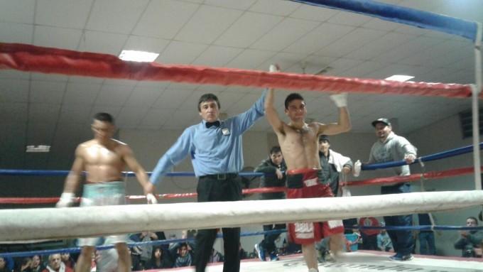 Federico 'Chori' Coronel venció en una pelea reñida