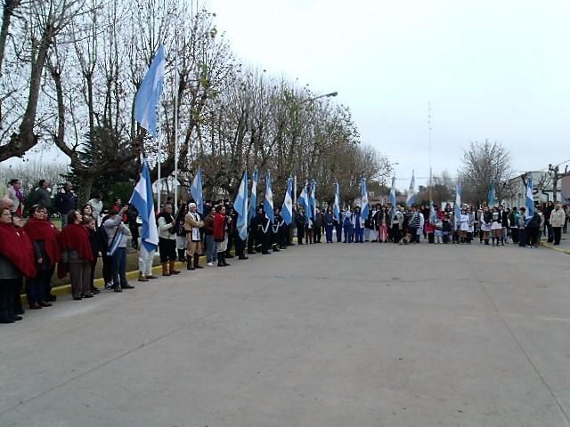 El acto protocolar del 20 de junio, 'Día de la Bandera', se realizó en Pirovano