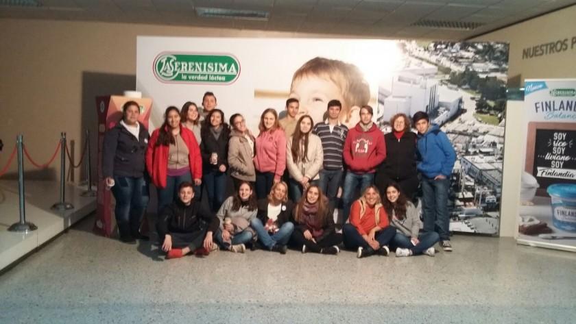 Alumnos de 5° año de la E.S. N°3 viajaron a Luján y visitaron la fábrica 'La Serenísima'