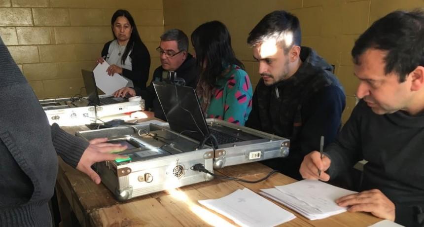 Más de 250 internos fueron documentados  por el Renaper en Sierra Chica y Urdampilleta