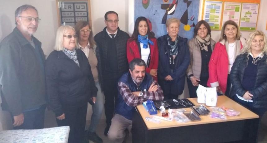 Rotary Club Urdampilleta hizo entrega de material odontológico para el uso del hospital