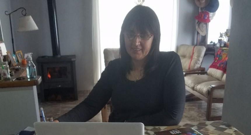 Claudia Bustamante; 'Pudimos adquirir ejemplares muy importantes para cubrir todas los requerimientos que recibimos en la biblioteca'