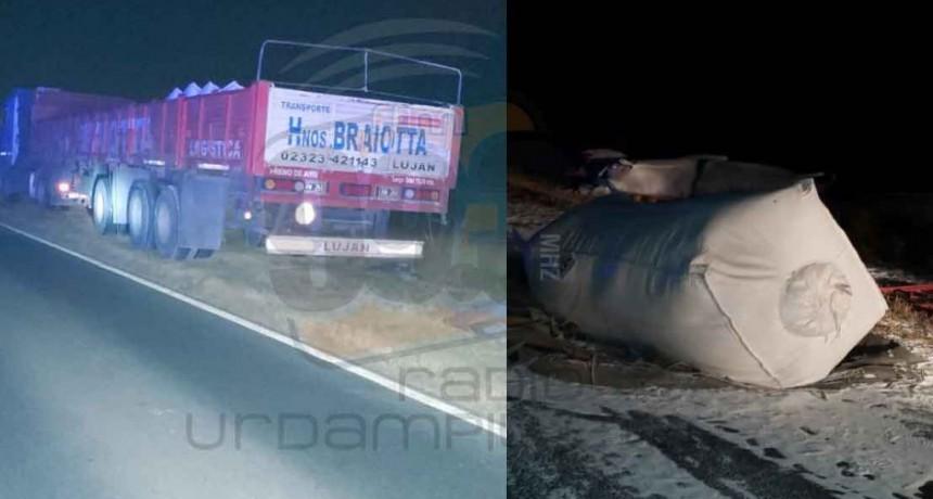 Pirovano; Un camión perdió su carga sobre Ruta 65 km 330