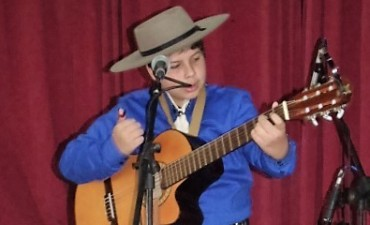 Marcos Pacheco: Un joven cantante con mucho futuro