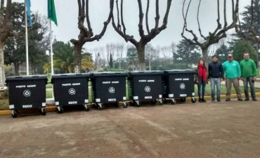 Madio Ambiente: Entregaron cinco contenedores
