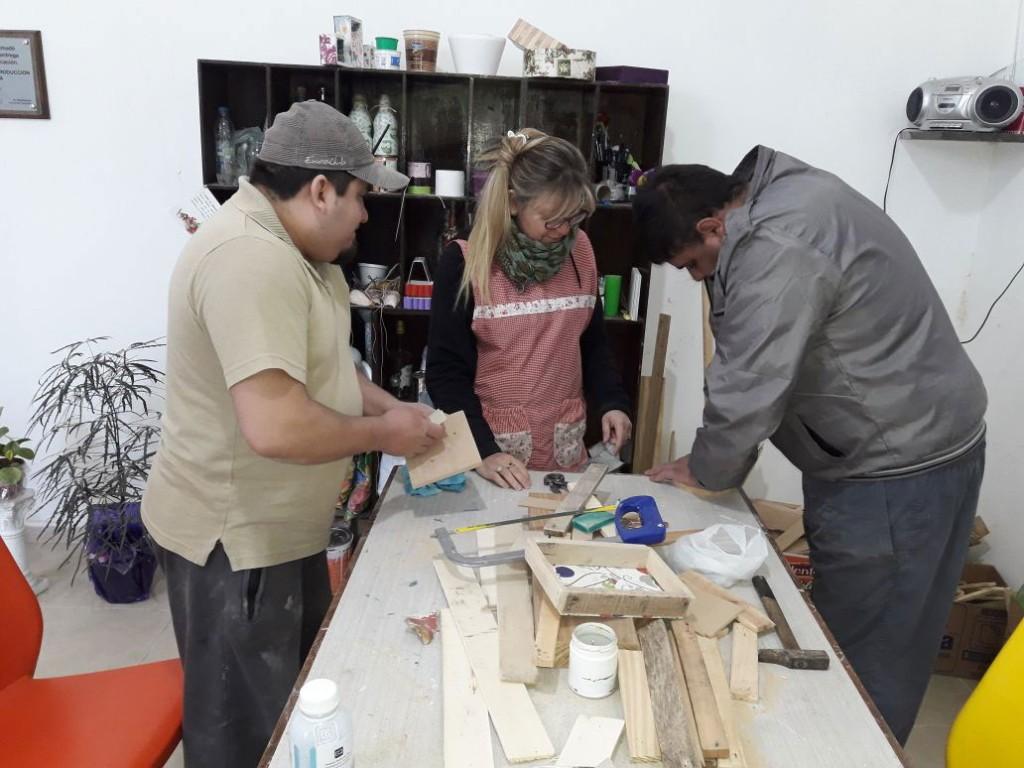 Los talleres protegidos trabajan activamente en la localidad