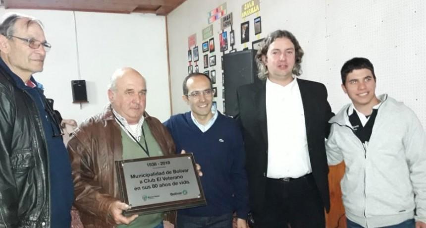 El club veterano recibió un reconocimiento por su trayectoria en la localidad