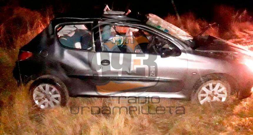 Tres mujeres sufrieron un vuelco en el acceso a Urdampilleta