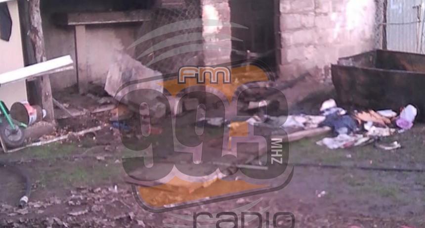 Incendio de una vivienda: Un hombre con graves quemaduras fue trasladado a Bolívar