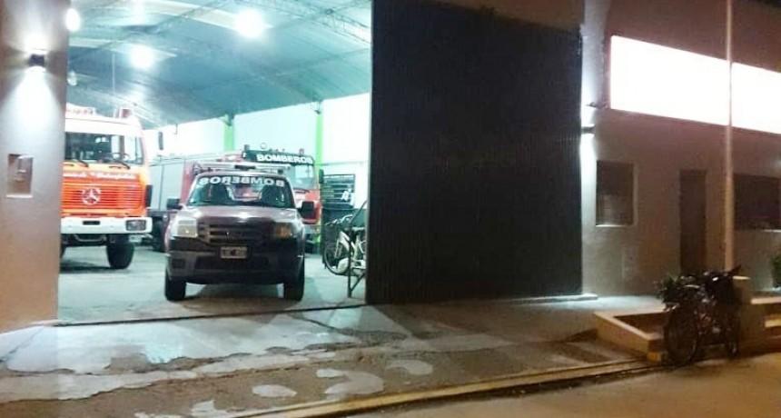 Salida de Bomberos del día domingo por auxilio vehicular