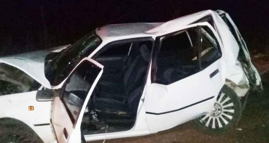 Bomberos Pirovano: Salida por despiste en camino vecinal hacia Daireaux
