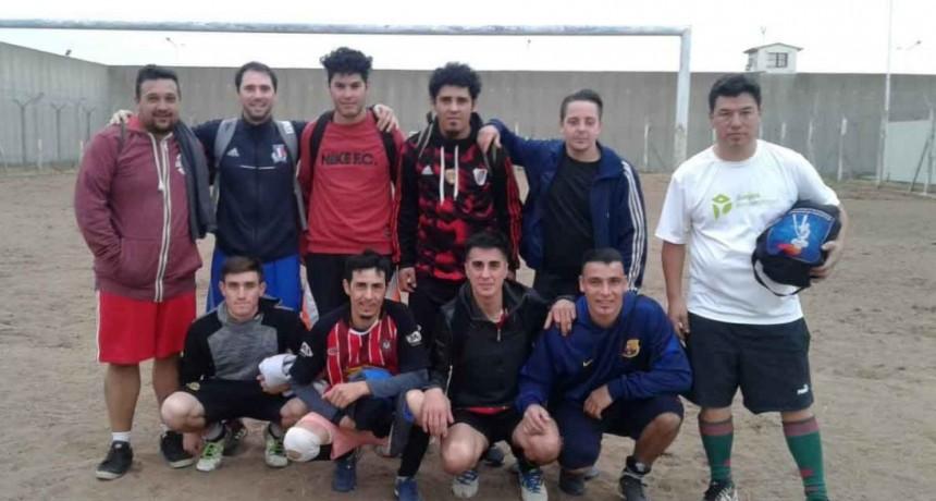 Unidad N.° 17: Fútbol amistoso entre el CEF de Henderson y un equipo de internos