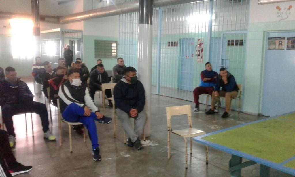Covid-19; mesa de diálogo con los internos de la Unidad Nº 17
