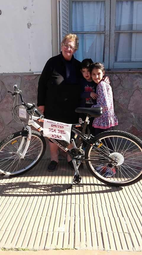 Agostina Silva fue favorecida con la Bicicleta de Kiosco Burbuja