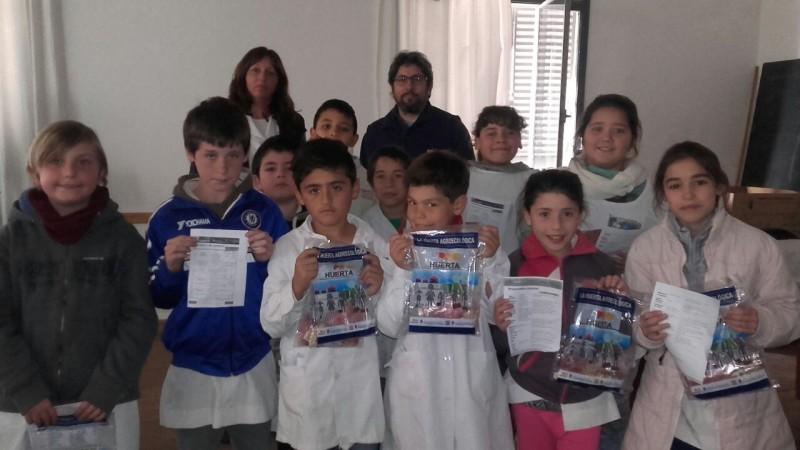 EP Nº 22: Alumnos de 4° grado llevan adelante un proyecto de 'Huerta Agroccológica