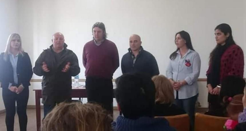 Se entregaron los certificados del curso 'Trabajo del auxiliar en instituciones educativas'