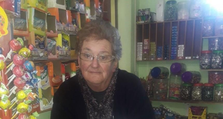 Silvia Iroz; Kiosco Burbujas: 'Soy adicta a realizar sorteos para las fechas especiales'