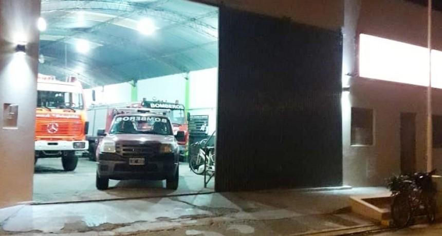 Salida de Bomberos: Incendio de pastos naturales y leña en Estancia La Celina