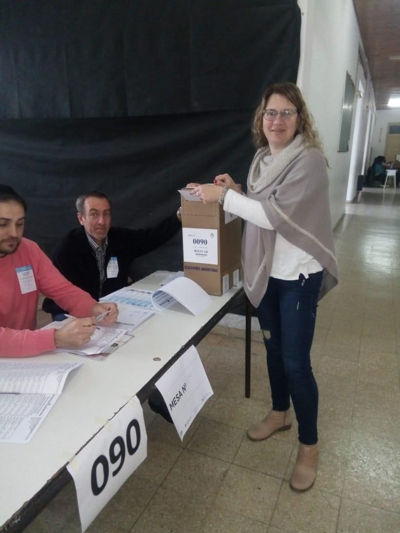 Georgina Schmoll: 'Es un día que disfruto mucho porque soy una gran defensora de la democracia'