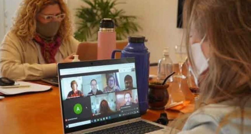 Comenzaron los actos públicos virtuales para que docentes bonaerenses tomen cargos