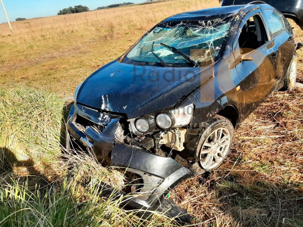 Acceso a Urdampilleta: Se produjo el vuelco de un vehículo