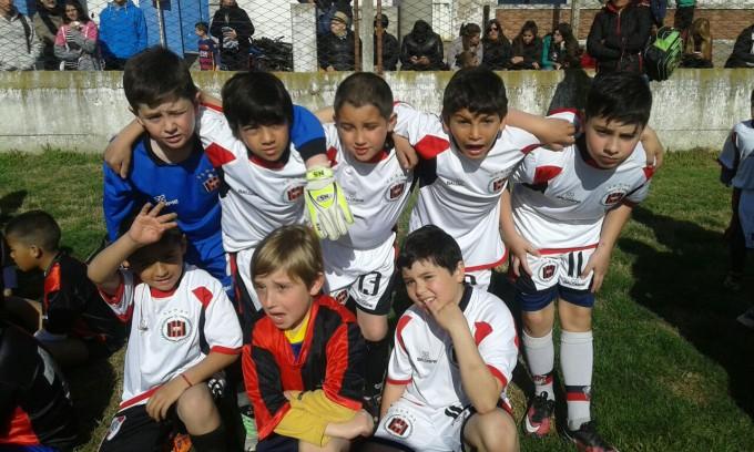 Urdampilleta participó del 'Encuentro de Crack' de Escuelitas de Fútbol en Bolívar