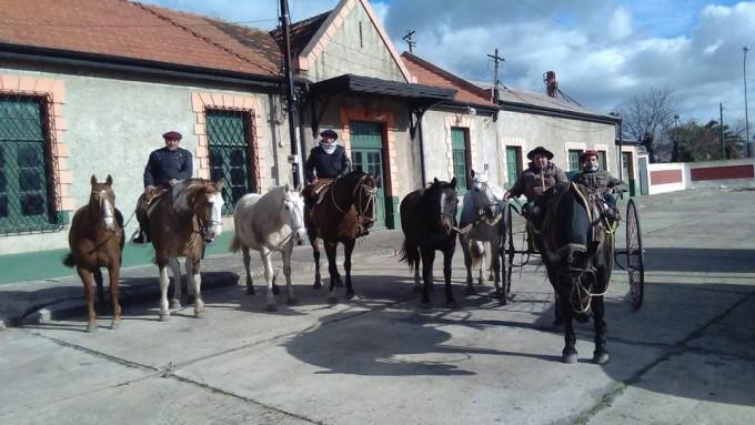 El primer grupo de Peregrinos fue recibido por el Intendente de 25 de Mayo