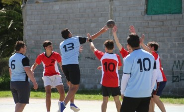 El colegio Cervantes ganó la final de Handball masculino