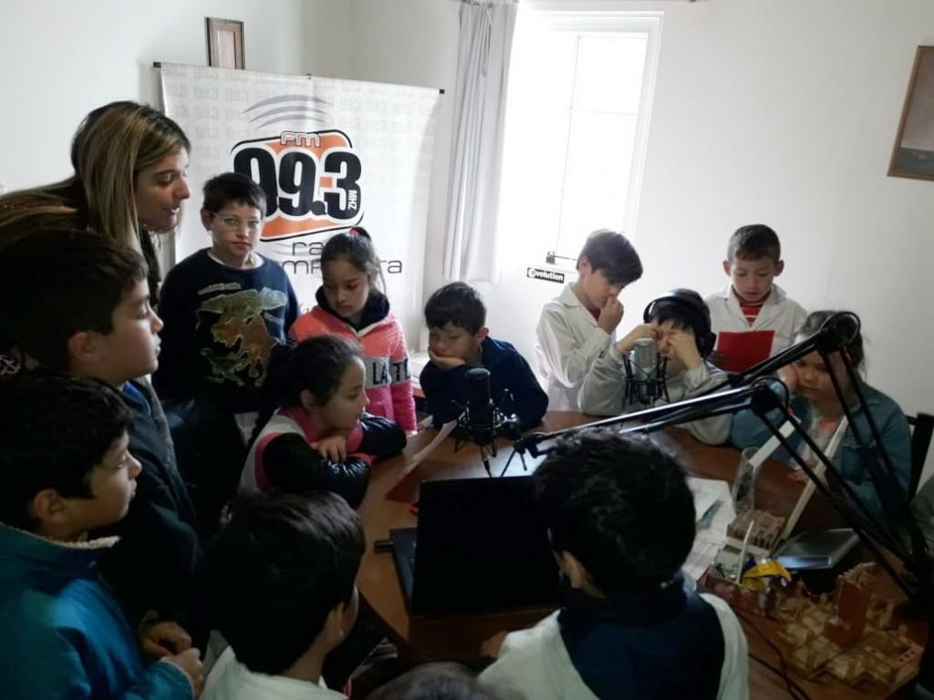 Alumnos de 3º de la EP 22 están disfrutando la semana de la lectura con la comunidad