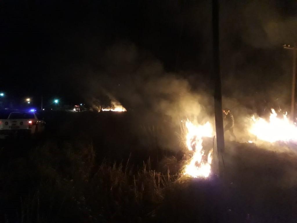 Incendio en pastizales en las Vías del Ferrocarril