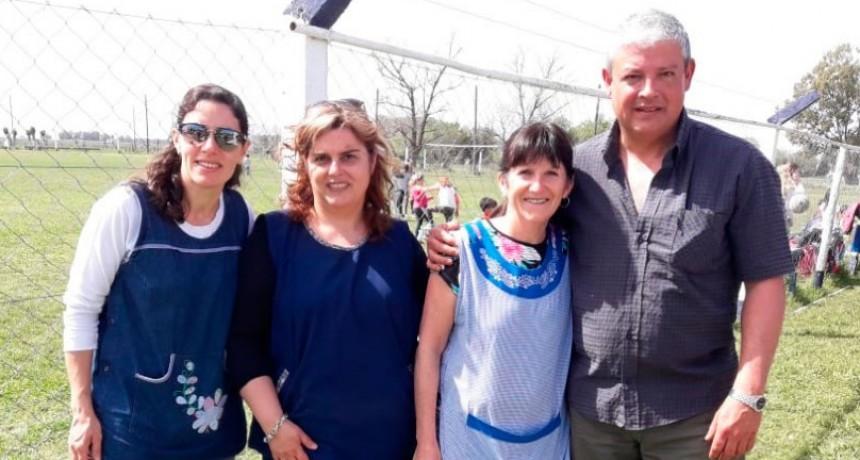 El CEC Nº 803 festejo el día de la primavera en el Club Agrario