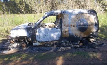 Encontraron un vehículo incendiado en caminos rurales