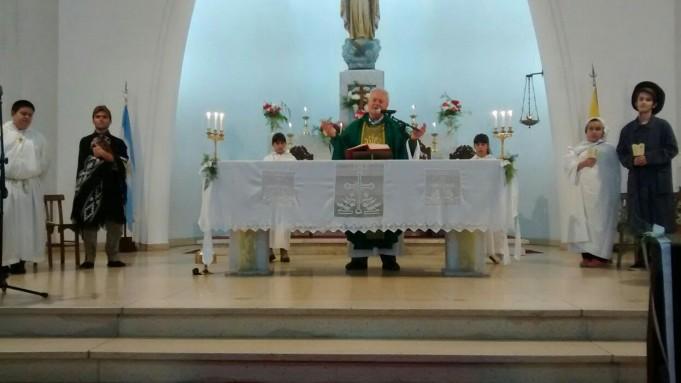 Se celebró el 75 aniversario de la Iglesia Cristo Rey de Urdampilleta
