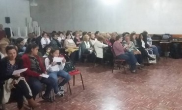 Adultos Mayores presentaron su obra de teatro en el Centro de Jubilados