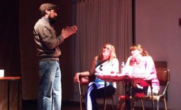 Adultos Mayores: Una nueva presentación de obra de teatro en Urdampilleta