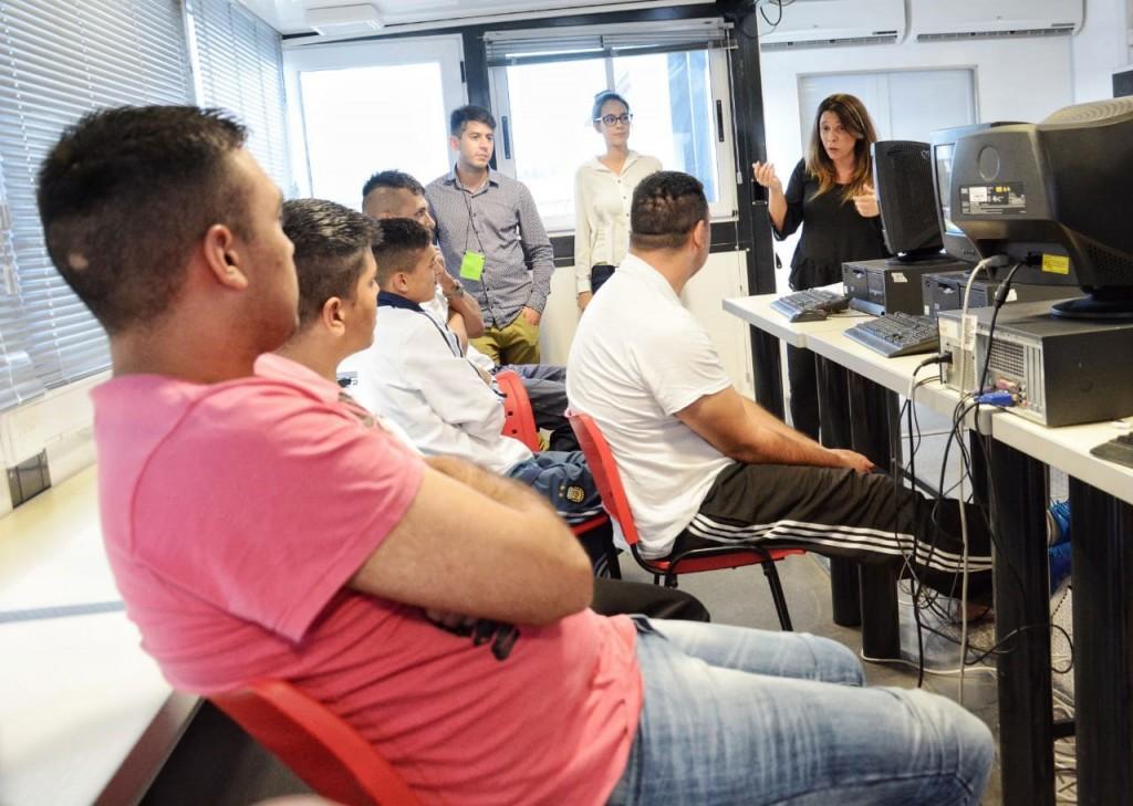 Más de dos mil internos se capacitaron en alfabetización digital en cárceles bonaerenses en el último año