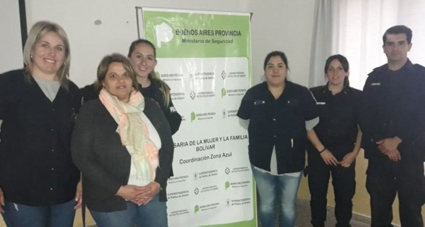 Se brindó una charla en la ESU N.º 3 sobre grooming a cargo de personal de la Comisaria de la Mujer y la Familia de Bolívar