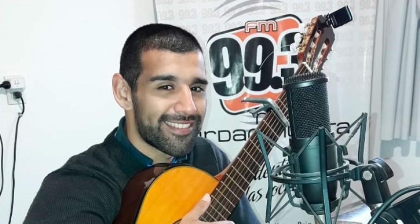 Jorge Orellana Folcloreo Bien Temprano para Radio Urdampilleta