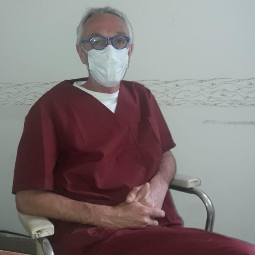"""Doctor Fabián Marina: """"Tenemos que esforzarnos y evitar que el virus se propague dentro del hospital y la única forma es disminuir la circulación"""""""