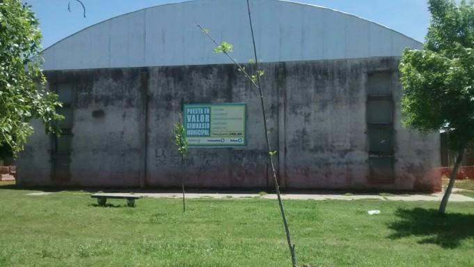 Comenzaron las remodelaciones en el Gimnasio Municipal de Urdampilleta