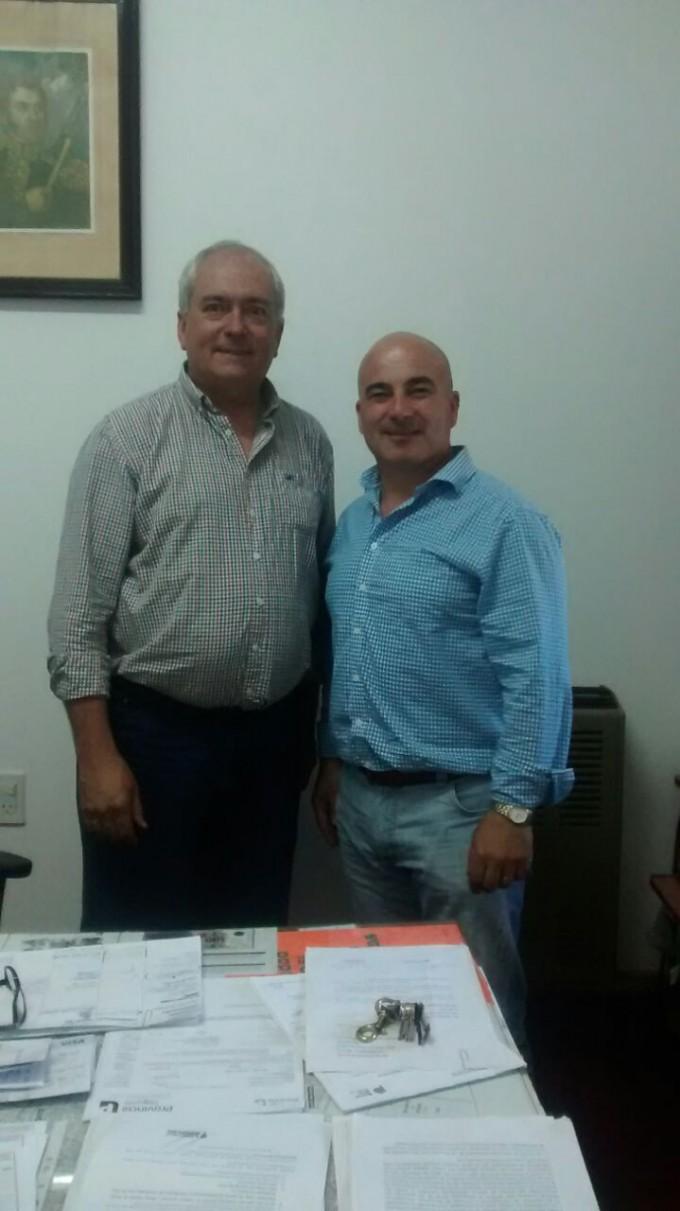Walter Suarez visitó la localidad y mantuvo reuniones en la Delegación Municipal