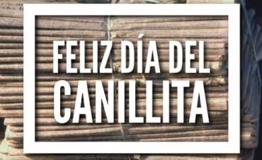 """En el """"Dia del Canillita"""", el reconocimiento a """"Pancho"""" Martínez por una vecina urdampilletense"""