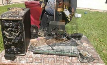 Voraz incendio en una vivienda de Pirovano