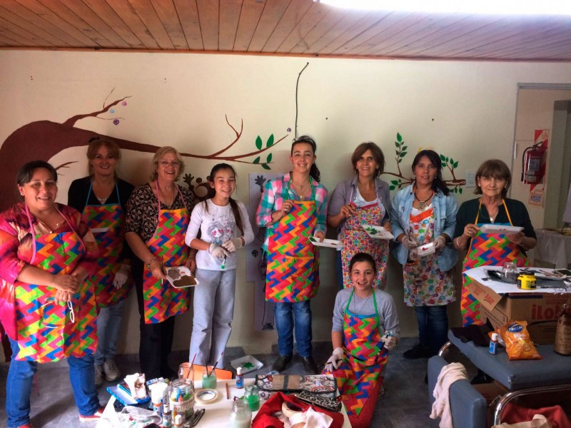 Taller de Pintura:'Realizamos un mural en el CAPS'
