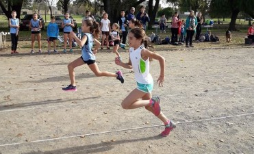Luana Iroz Oroná, la pequeña que promete en atletismo